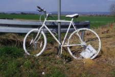 Mahnmal für einen getöteten Radfahrer